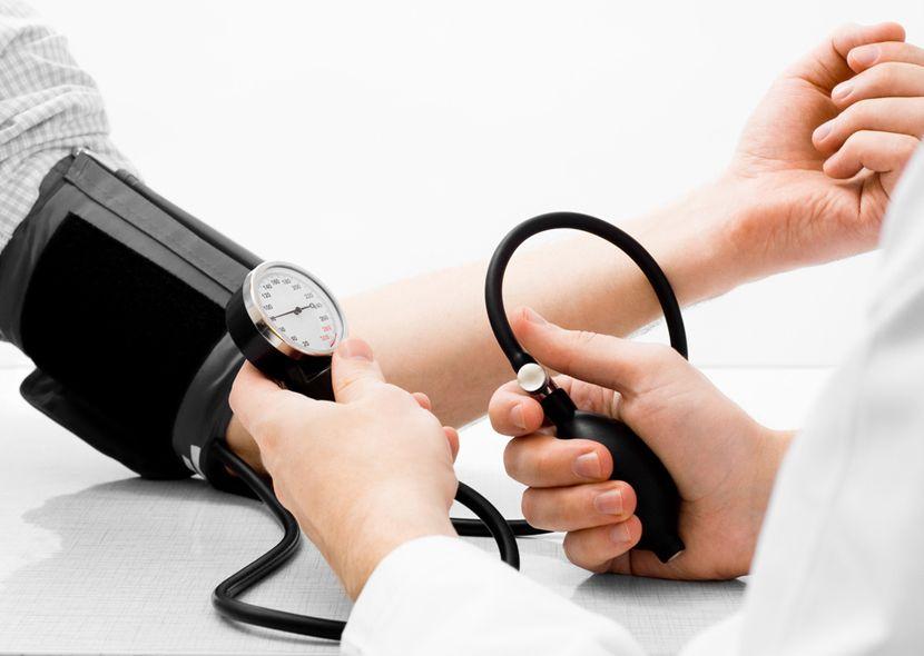 Гипертония: симптомы, причины, лечение