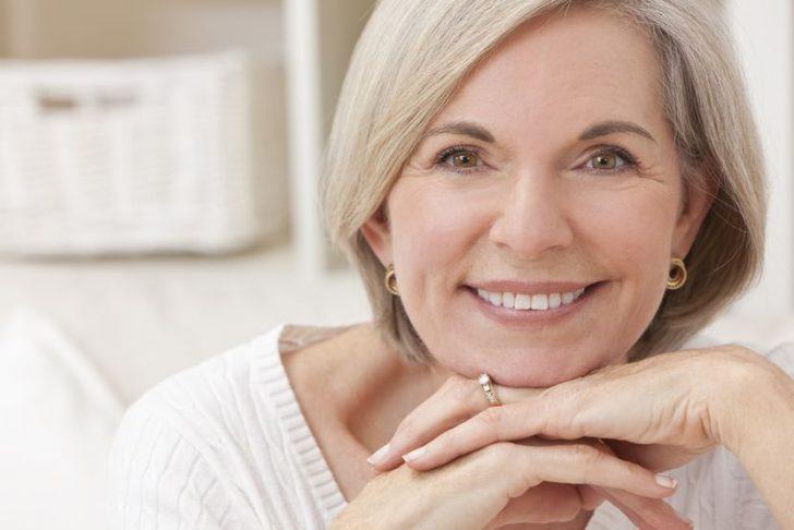 Омолаживающий крем: на что обращать внимание при его покупке?