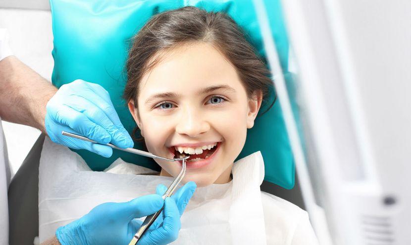 oslozhnennyj-karies-molochnogo-zuba