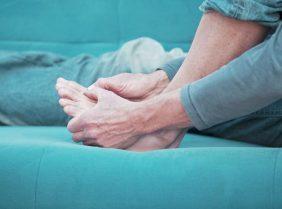 Соли в суставах: причины отложения и способы лечения