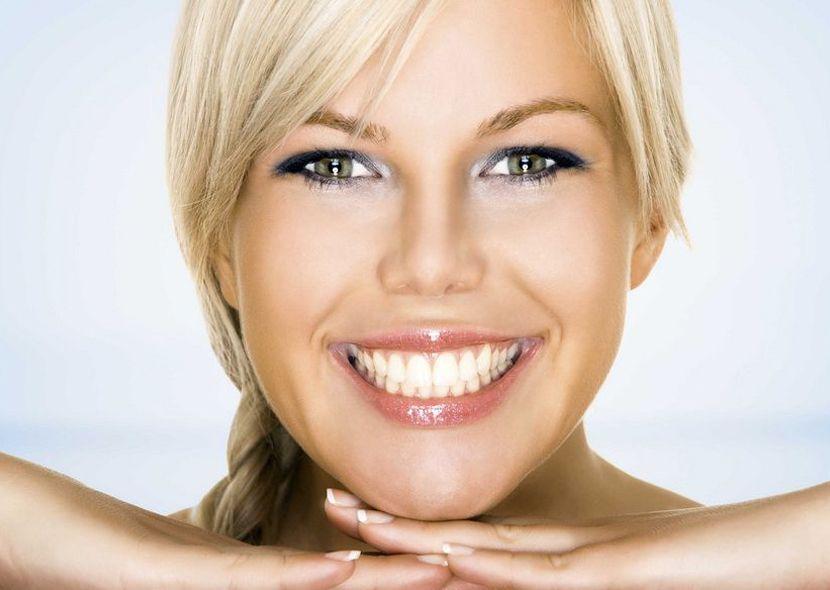 Отбеливание зубов в домашних условиях активированным углем