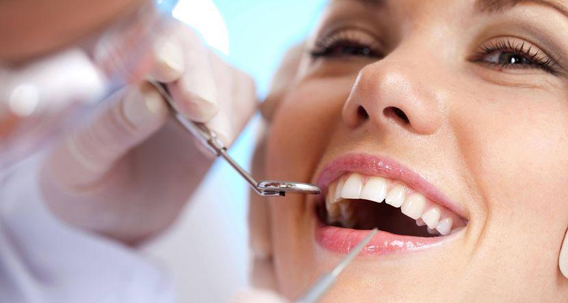 Противопоказания к применению активированного угля для отбеливания зубов