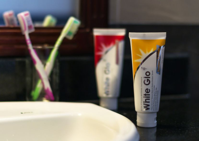 Аптечные средства для отбеливания зубов из аптеки: обзор лучших
