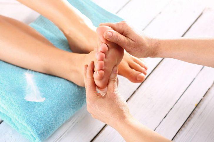 Техника выполнения массажа стопы при пяточной шпоре