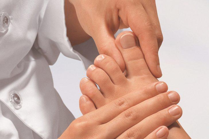 Самые эффективные средства от грибка ногтей на ногах