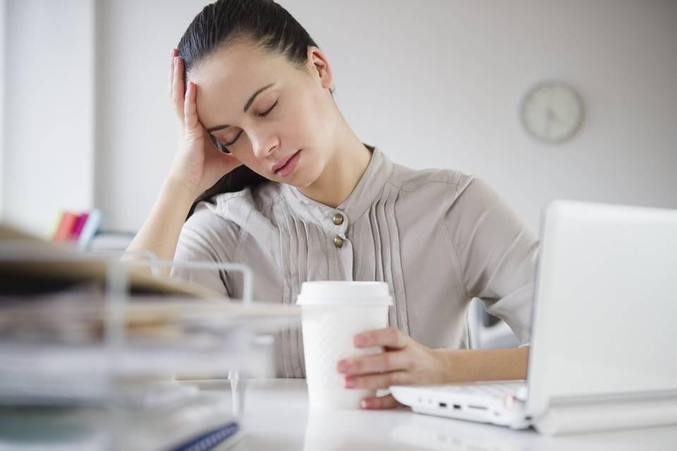 Как понизить давление в домашних условиях: быстрые методы