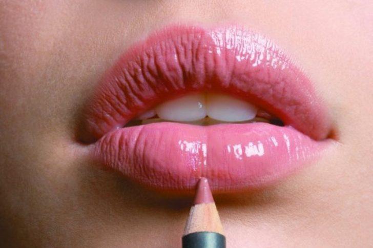 Маска для увеличения губ в домашних условиях