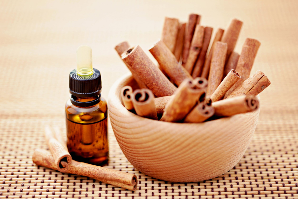 Маска для увеличения губ с маслом корицы
