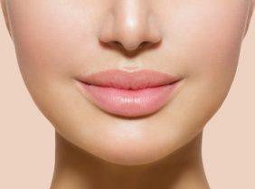 Как сделать объемные губы в домашних условиях