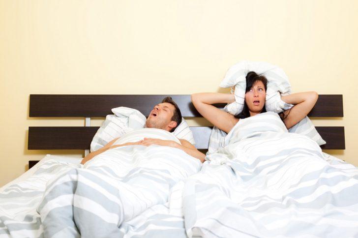 Почему храпит человек лежа на боку ночью