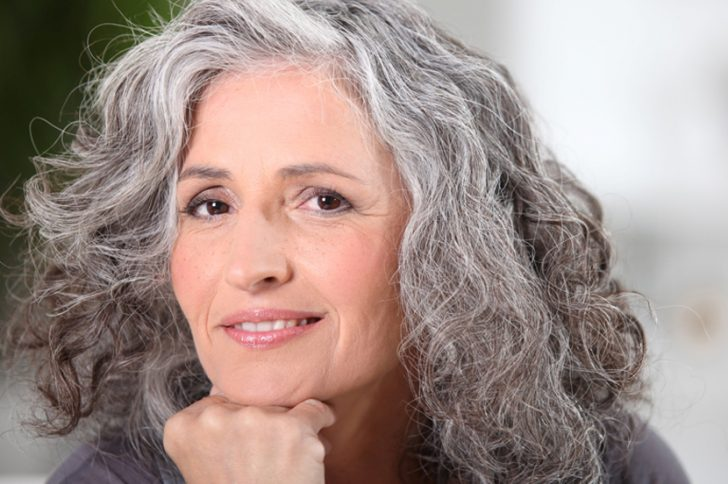 Как избавиться от седых волос народными средствами