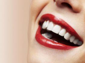Секреты отбеливания зубов эфирным маслом