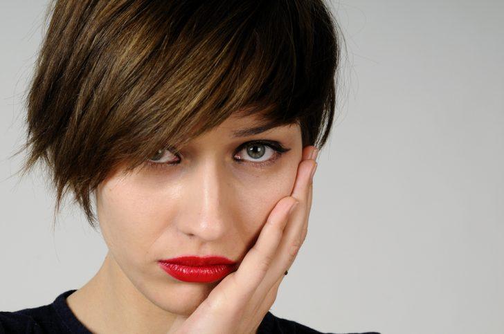 Треснула эмаль зуба - что делать? Какие бывают виды трещин?