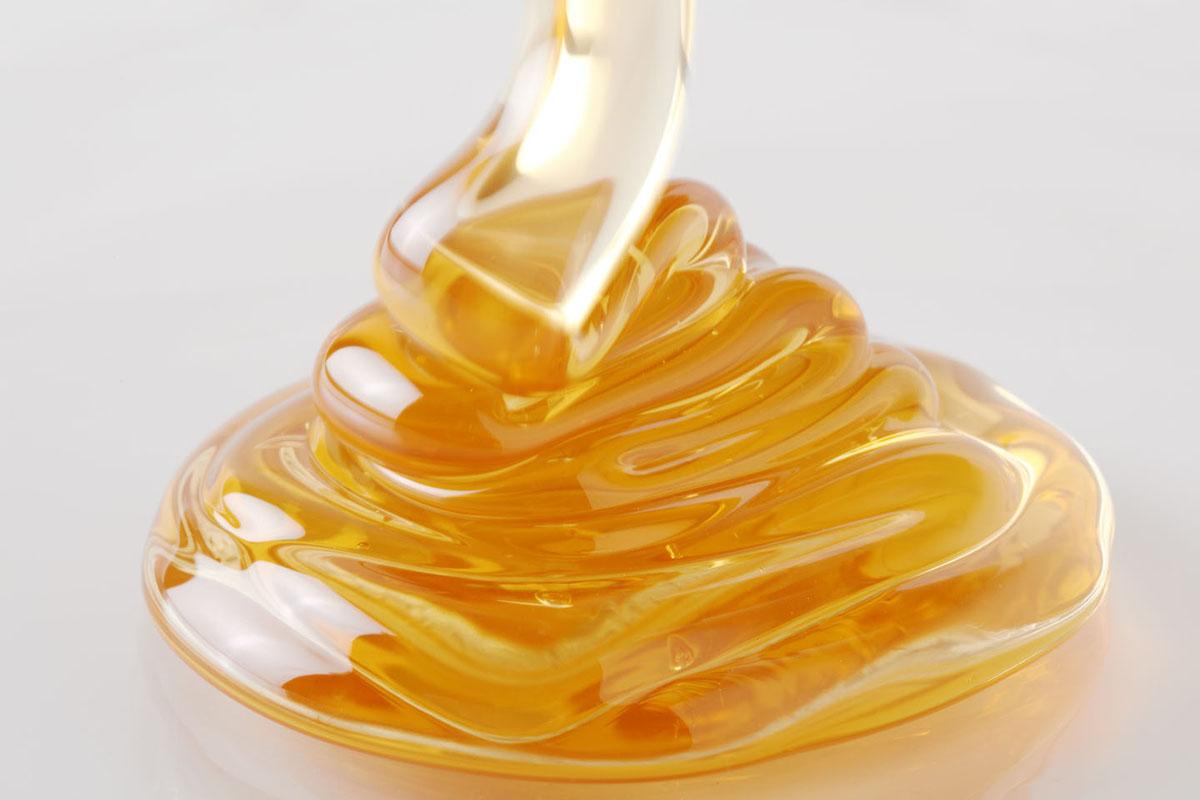 Шугаринг с медом без лимона