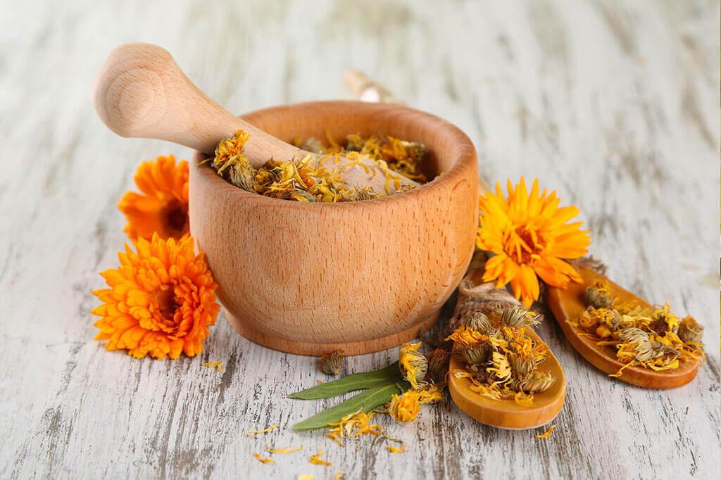 Как избавиться от неприятного запаха из десны?
