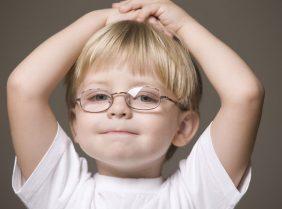 Как восстановить зрение ребёнку в домашних условиях