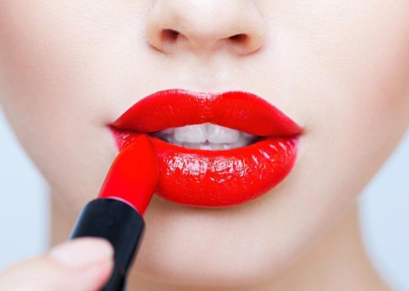 Как сделать губы пухлыми с помощью макияжа