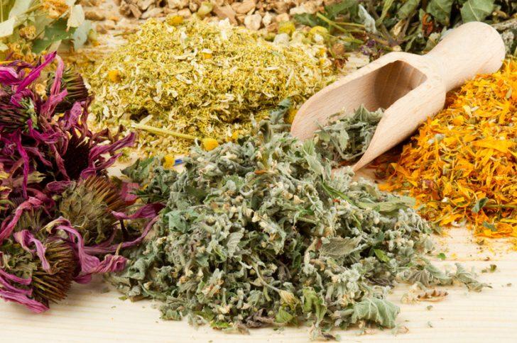 Лечение запаха изо рта в домашних условиях