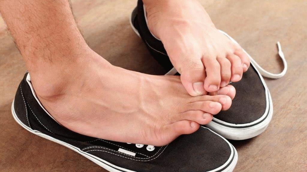 Как избавиться от грибка и потливости ног