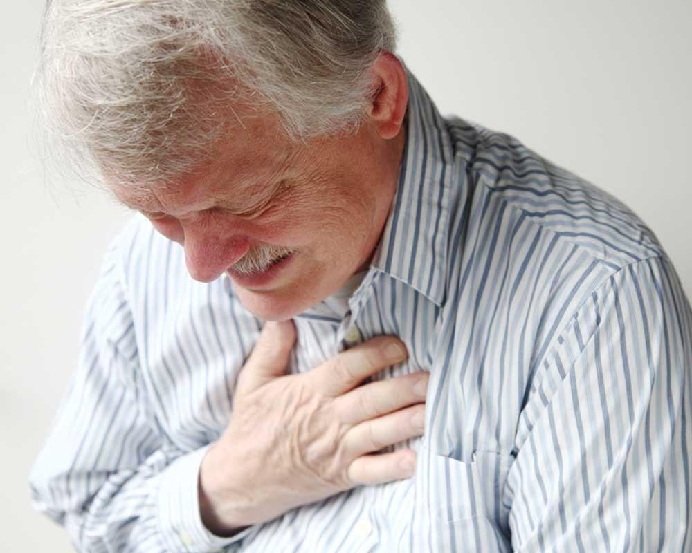 С чем связано повышение холестерина в крови?