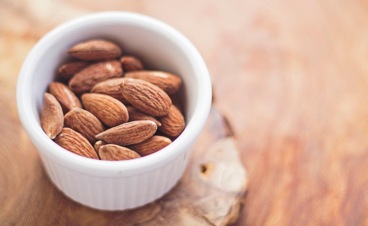 Питание седых волос натуральными продуктами