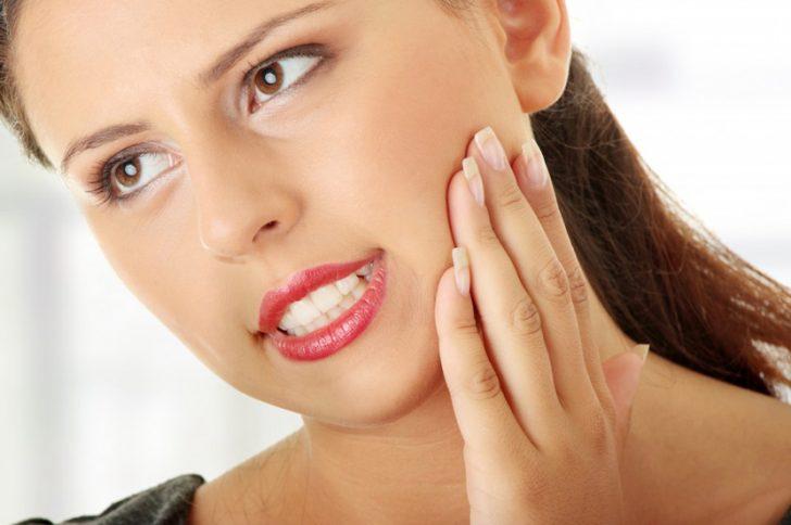Неприятный запах изо рта после удаления зуба
