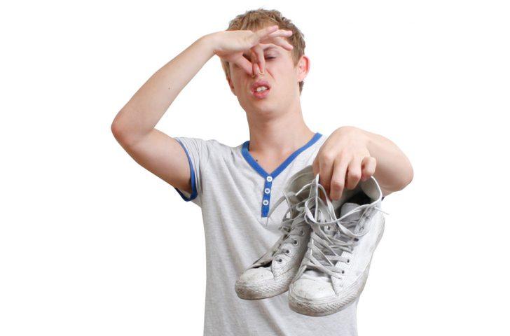 Истинные причины возникновения неприятного запаха ног