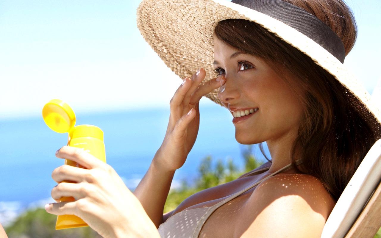 Лучшие защитные крема от солнца