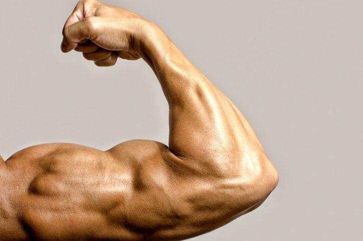 Растяжки на руках у мужчин и женщин: причины появления