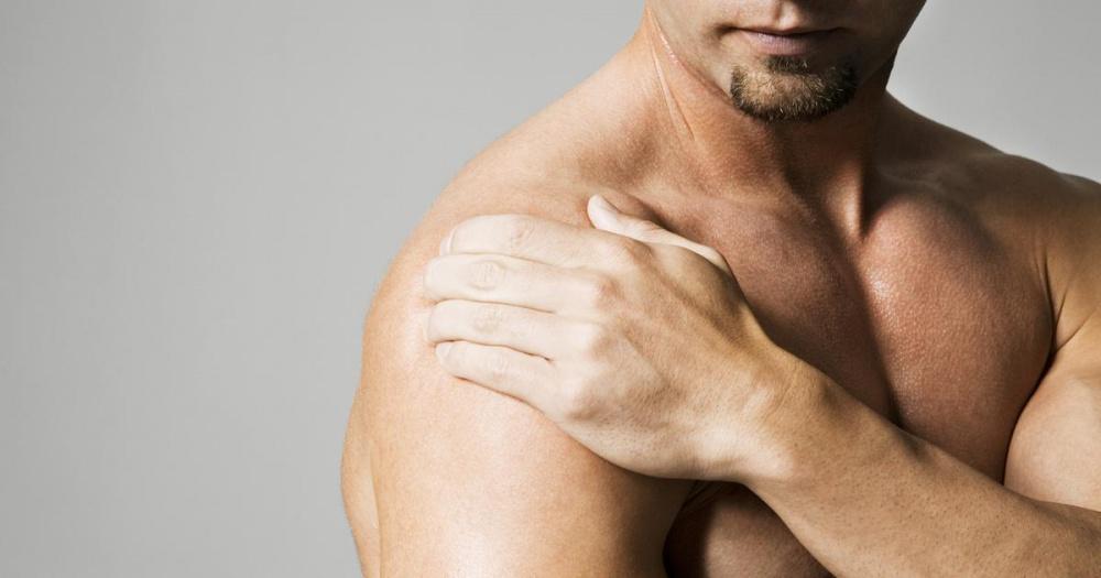 Почему болят бицепсы?