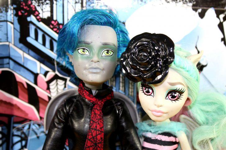 Какую куклу купить для дочки на 8 марта?