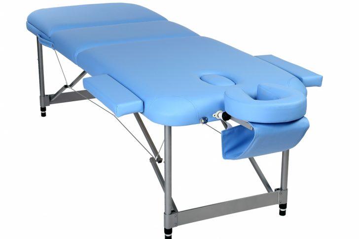 Как выбрать лучший складной массажный стол?