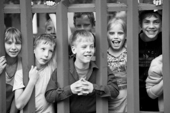 Как помочь детям сиротам знают те, кто это делает