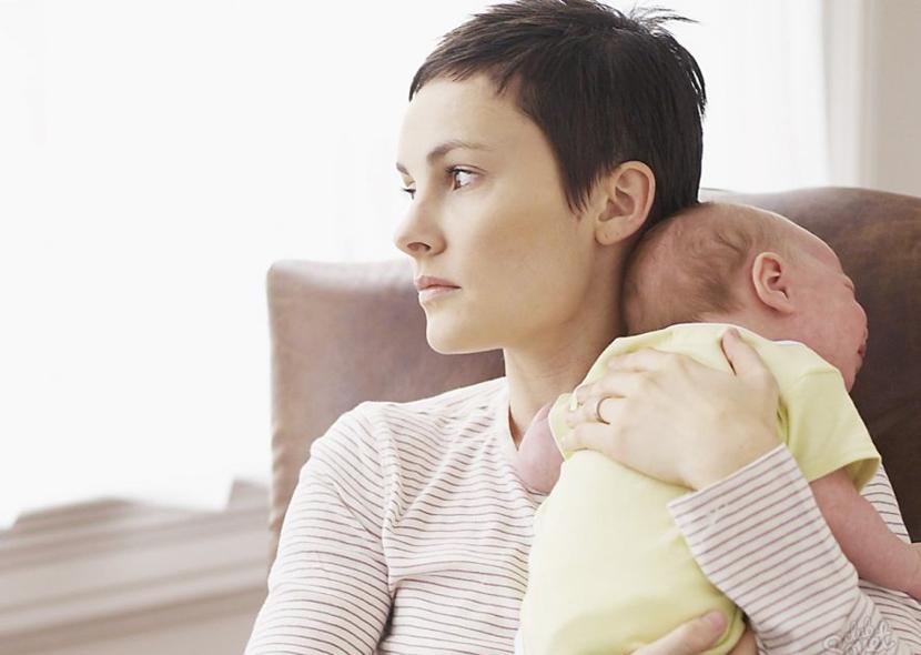 Сильно выпадают волосы после родов – что делать? Причины и лечение.