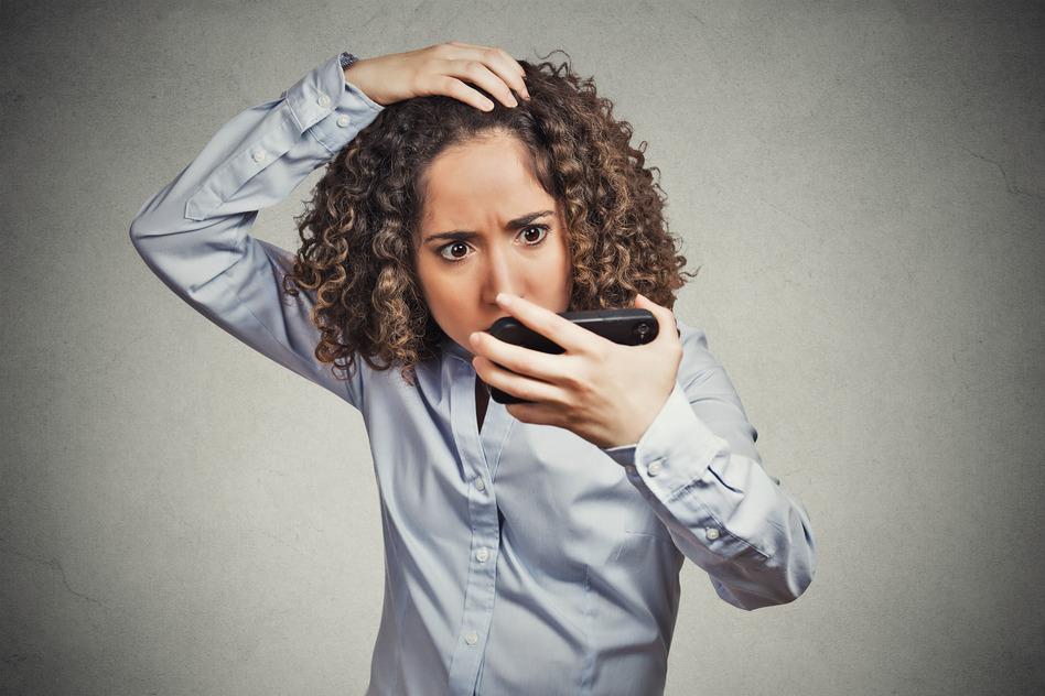 Почему сильно чешется голова, и выпадают волосы?