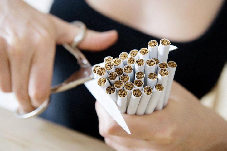 Можно или нельзя бросать курить при беременности?