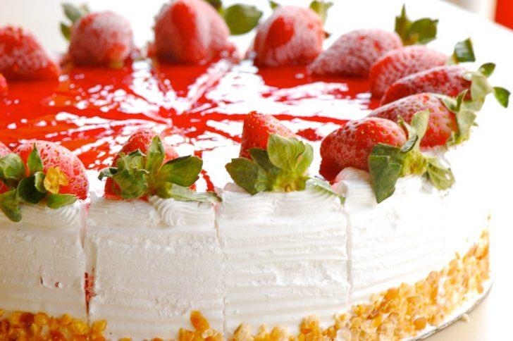 Как разнообразить сладкое меню: замороженные торты