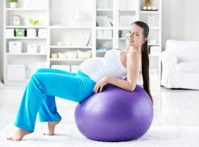 Можно ли заниматься фитнесом при беременности: польза и вред
