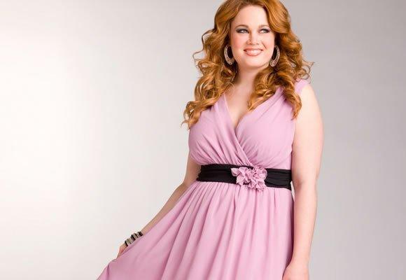 Изящный гардероб большого размера: платья на все случаи жизни