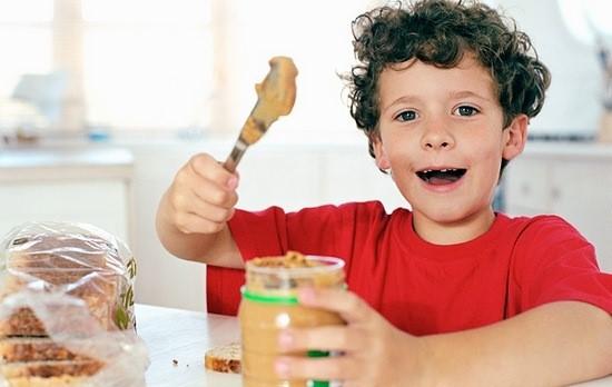 Кому нельзя употреблять арахисовое масло?