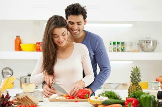 Фото приготовления еды вдвоем с мужем