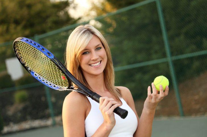 Где в Москве можно записаться на большой теннис?