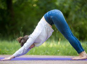 Упражнения для похудения дома: утренняя зарядка, йога для начинающих