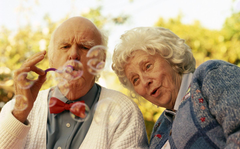 Лучшие витаминные комплексы для старых. Витамины для пожилых людей старше 50, 60, 70 лет