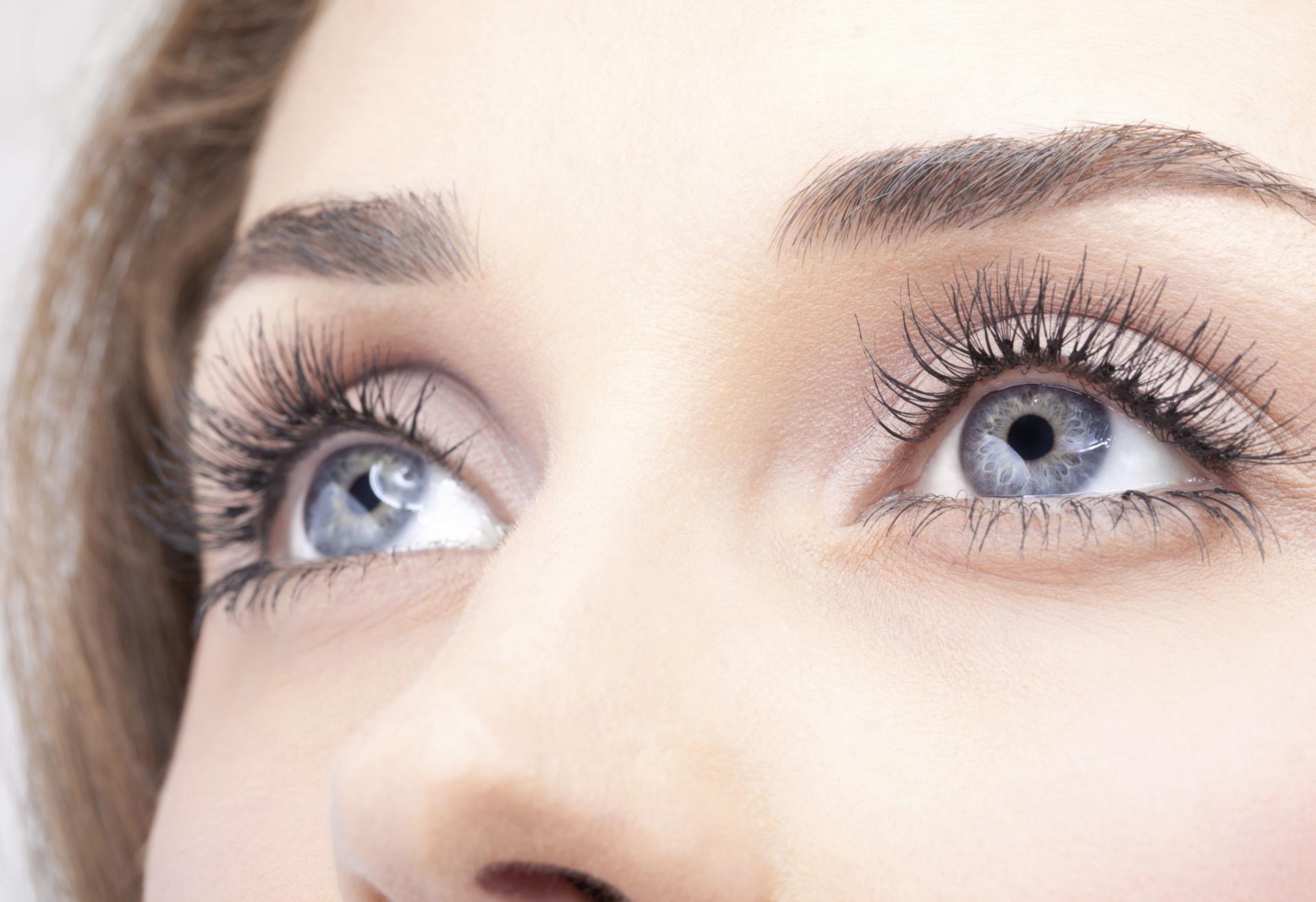Операция по замене хрусталика глаза: сколько стоит, как проходит, отзывы