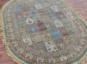 Овальные ковры из искусственных материалов: основные достоинства и недостатки товара такого типа