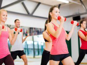 Индивидуальные или групповые фитнес тренировки: что выбрать?