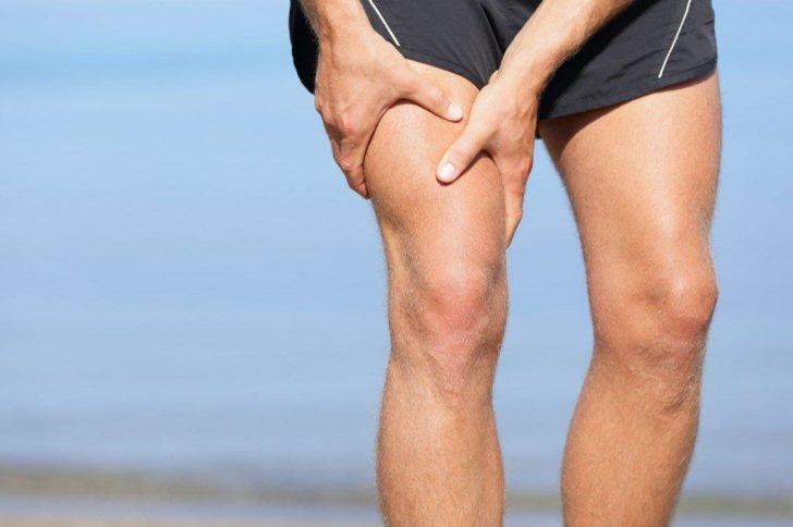 Почему сводит мышцы в бёдрах ног