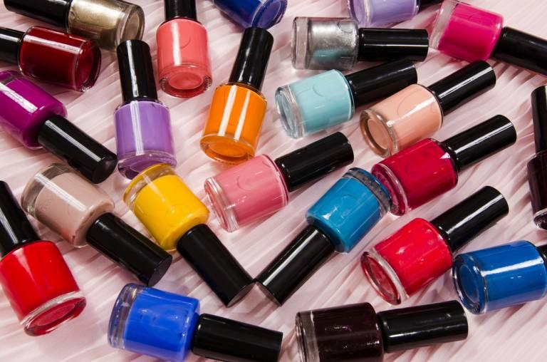 Как хранить косметику: 10 важных правил