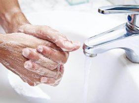 Жесткая вода, или почему сушит кожу